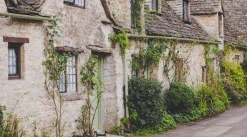 The Cotswolds Villages: A Complete Guide for an English Countryside Retreat
